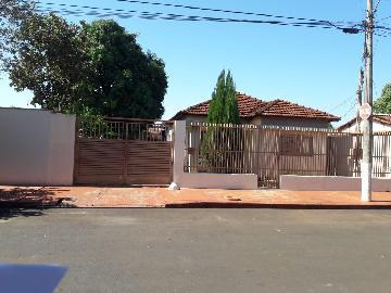 Alugar Casas / Padrão em Sertãozinho. apenas R$ 295.000,00