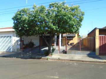 Alugar Casas / Padrão em Sertãozinho. apenas R$ 175.000,00