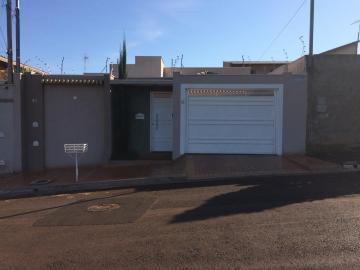 Alugar Casas / Padrão em Sertãozinho. apenas R$ 1.875,00