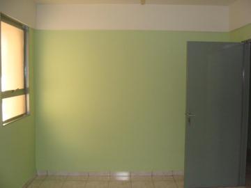 Alugar Apartamentos / Padrão em Sertãozinho R$ 800,00 - Foto 3