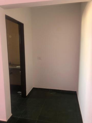 Alugar Comerciais / Sala em Sertãozinho R$ 600,00 - Foto 14