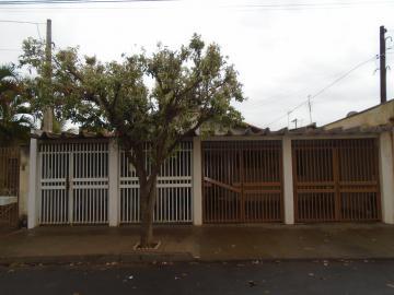 Alugar Casas / Padrão em Sertãozinho. apenas R$ 180.000,00