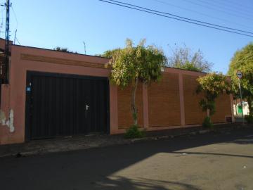 Alugar Casas / Padrão em Sertãozinho. apenas R$ 130.000,00