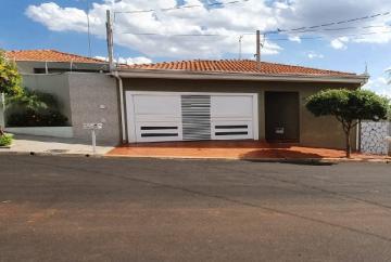 Alugar Casas / Padrão em Sertãozinho. apenas R$ 440.000,00