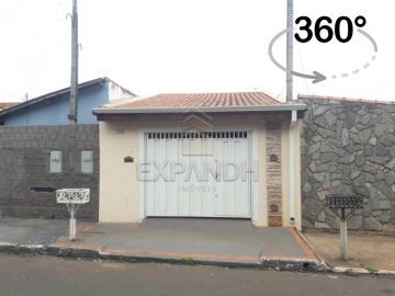 Alugar Casas / Padrão em Sertãozinho. apenas R$ 492,70