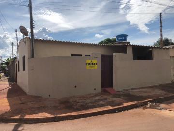 Alugar Casas / Padrão em Sertãozinho. apenas R$ 420,00
