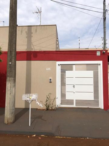 Casas / Padrão em Sertãozinho Alugar por R$850,00