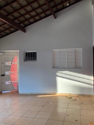 Alugar Casas / Padrão em Sertãozinho R$ 1.250,00 - Foto 3