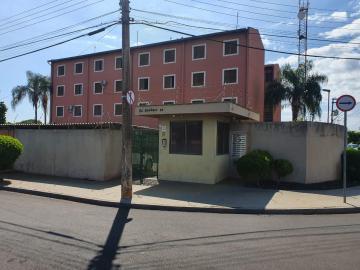 Apartamentos / Padrão em Sertãozinho Alugar por R$550,00