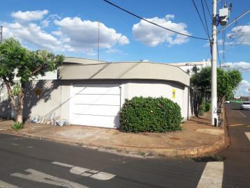 Casas / Padrão em Sertãozinho Alugar por R$2.250,00