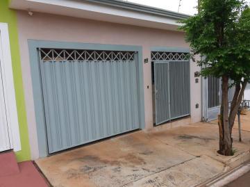 Casas / Padrão em Sertãozinho Alugar por R$1.200,00