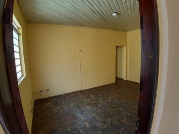 Alugar Casas / Padrão em Sertãozinho R$ 835,00 - Foto 4