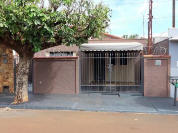 Alugar Casas / Padrão em Cruz das Posses. apenas R$ 800,00