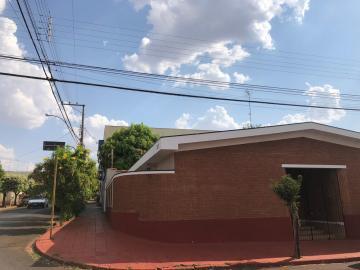Casas / Padrão em Sertãozinho Alugar por R$1.500,00