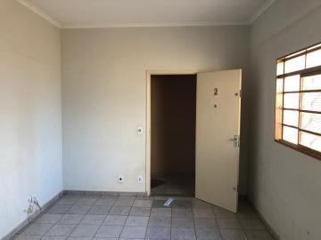 Alugar Apartamentos / Padrão em Sertãozinho R$ 1.560,00 - Foto 2