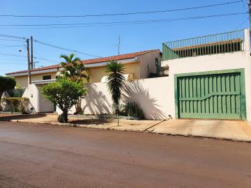 Casas / Padrão em Sertãozinho , Comprar por R$450.000,00