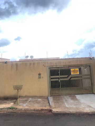 Casas / Padrão em Sertãozinho Alugar por R$1.400,00