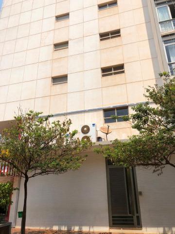 Alugar Apartamentos / Padrão em Sertãozinho. apenas R$ 1.270,00