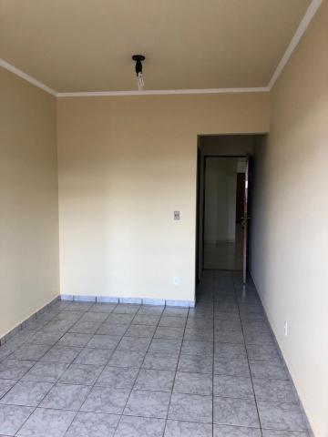 Alugar Apartamentos / Padrão em Sertãozinho R$ 700,00 - Foto 3