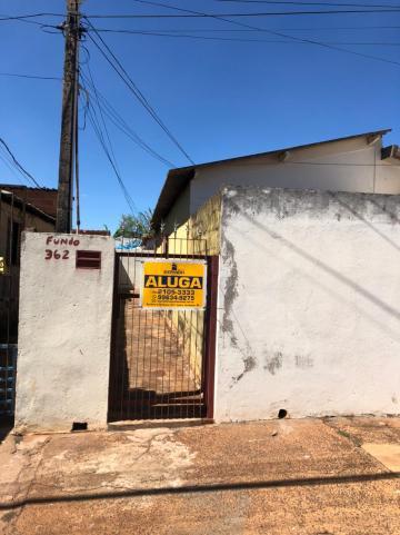 Alugar Casas / Padrão em Sertãozinho. apenas R$ 505,00