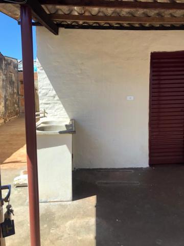 Alugar Casas / Padrão em Sertãozinho R$ 505,00 - Foto 2