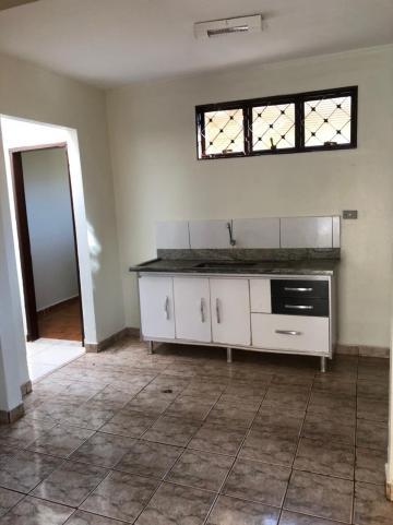 Alugar Casas / Padrão em Sertãozinho R$ 1.250,00 - Foto 9