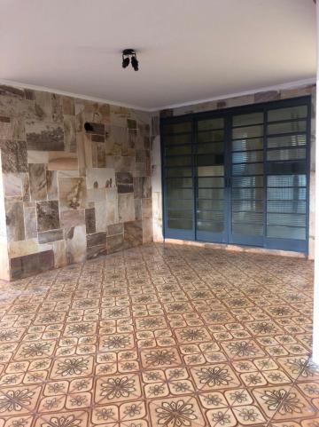 Alugar Casas / Padrão em Sertãozinho R$ 1.500,00 - Foto 4