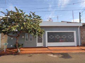 Alugar Casas / Padrão em Sertãozinho. apenas R$ 475.000,00