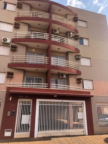 Alugar Apartamentos / Padrão em Sertãozinho. apenas R$ 1.150,00