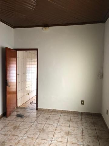 Alugar Casas / Padrão em Sertãozinho R$ 1.100,00 - Foto 4