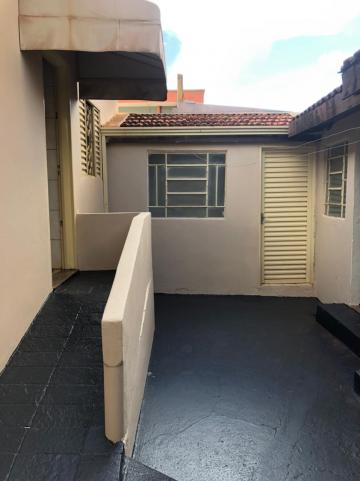 Alugar Casas / Padrão em Sertãozinho R$ 1.100,00 - Foto 11