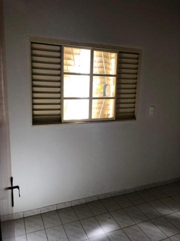 Alugar Casas / Padrão em Sertãozinho R$ 1.100,00 - Foto 19