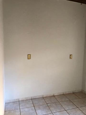 Alugar Casas / Padrão em Sertãozinho R$ 1.100,00 - Foto 24