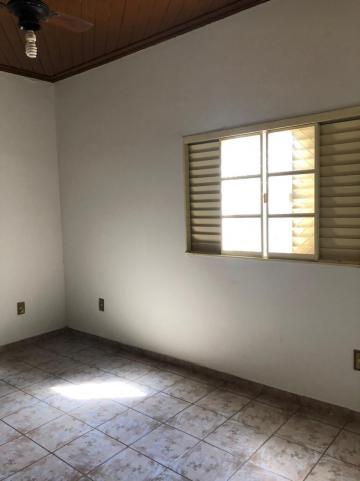 Alugar Casas / Padrão em Sertãozinho R$ 1.100,00 - Foto 25