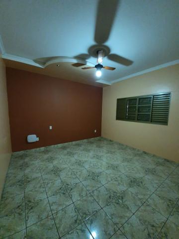 Alugar Casas / Padrão em Sertãozinho R$ 1.440,00 - Foto 9