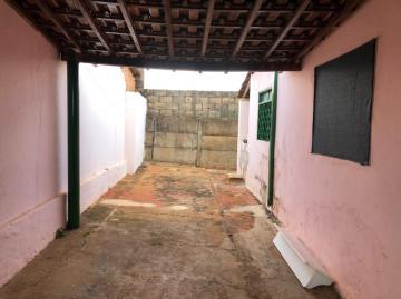 Alugar Casas / Padrão em Sertãozinho R$ 800,00 - Foto 3