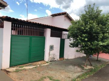 Alugar Casas / Padrão em Sertãozinho R$ 800,00 - Foto 2