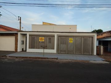 Alugar Casas / Padrão em Sertãozinho. apenas R$ 1.400,00
