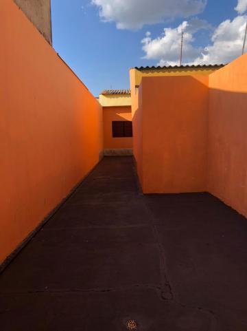 Alugar Casas / Padrão em Sertãozinho R$ 600,00 - Foto 2