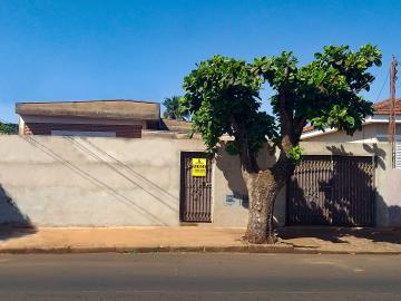 Alugar Casas / Padrão em Sertãozinho. apenas R$ 495.000,00