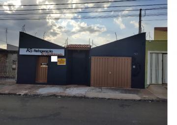 Alugar Casas / Padrão em Sertãozinho. apenas R$ 200.000,00