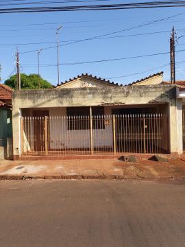 Alugar Casas / Padrão em Sertãozinho. apenas R$ 270.000,00