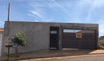 Alugar Casas / Padrão em Sertãozinho. apenas R$ 700,00