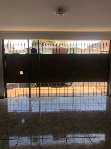 Alugar Casas / Padrão em Sertãozinho R$ 750,00 - Foto 3