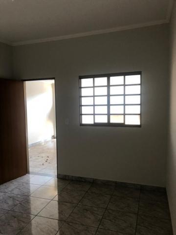 Alugar Casas / Padrão em Sertãozinho R$ 750,00 - Foto 5