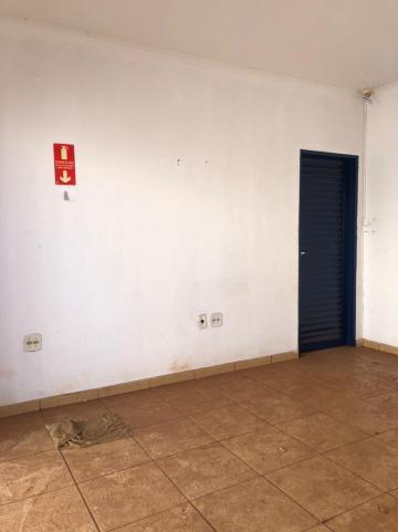 Alugar Comerciais / Ponto Comercial em Sertãozinho R$ 1.600,00 - Foto 3