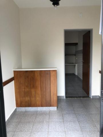 Alugar Comerciais / Sala em Sertãozinho R$ 800,00 - Foto 2
